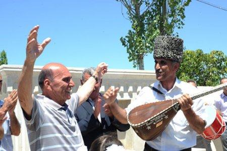 Şamaxının millət vəkili Elxan Süleymanov Dağ Bağırlı kəndində